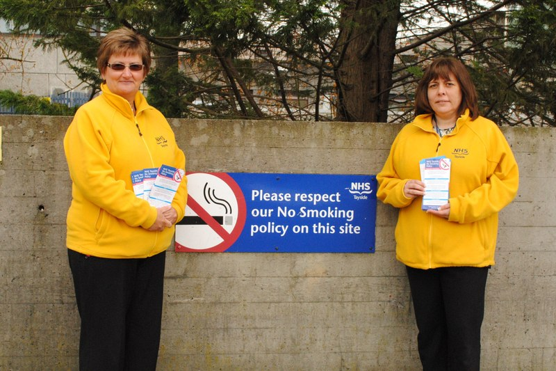 Smoke free grounds across NHS Tayside